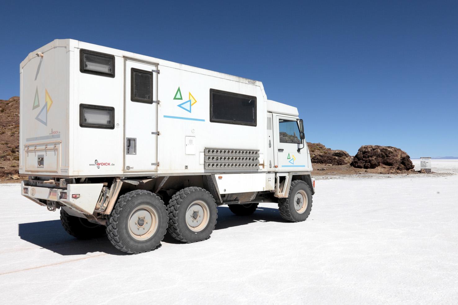 Bucher Duro 6x6 Reisemobil im Salar von Uyuni Bolivien